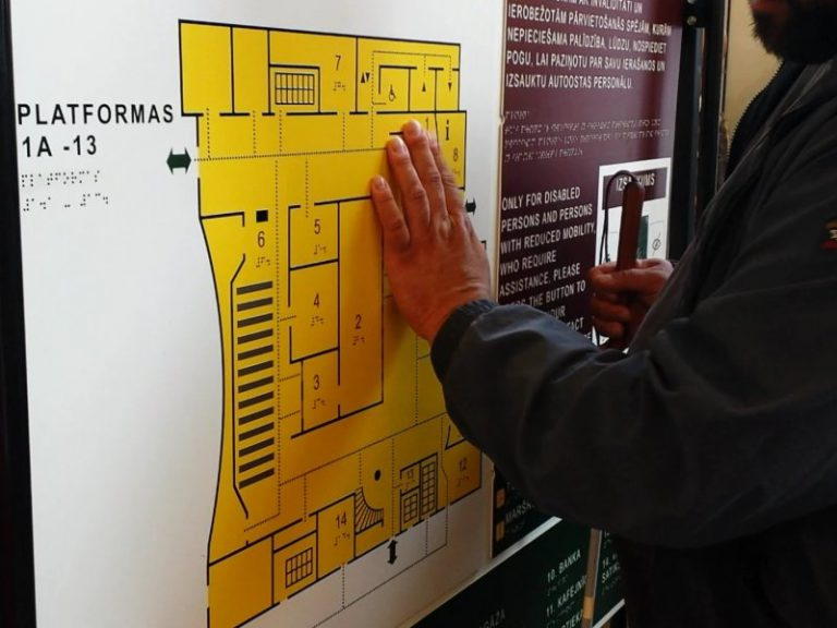 Taktilie stendi Araišu arheologiskā muzejā
